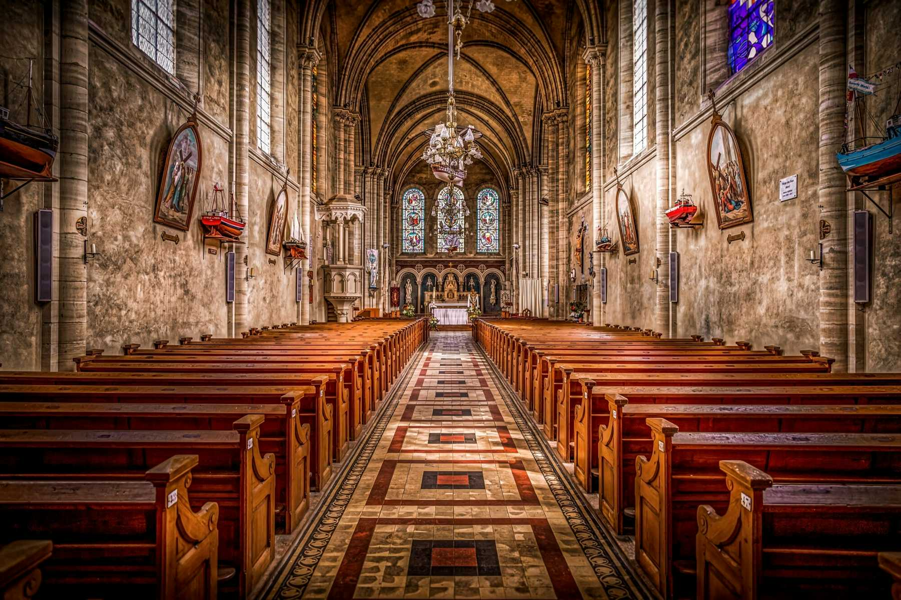 Sanctuary Image- What to Put in a Church Newsletter Blog